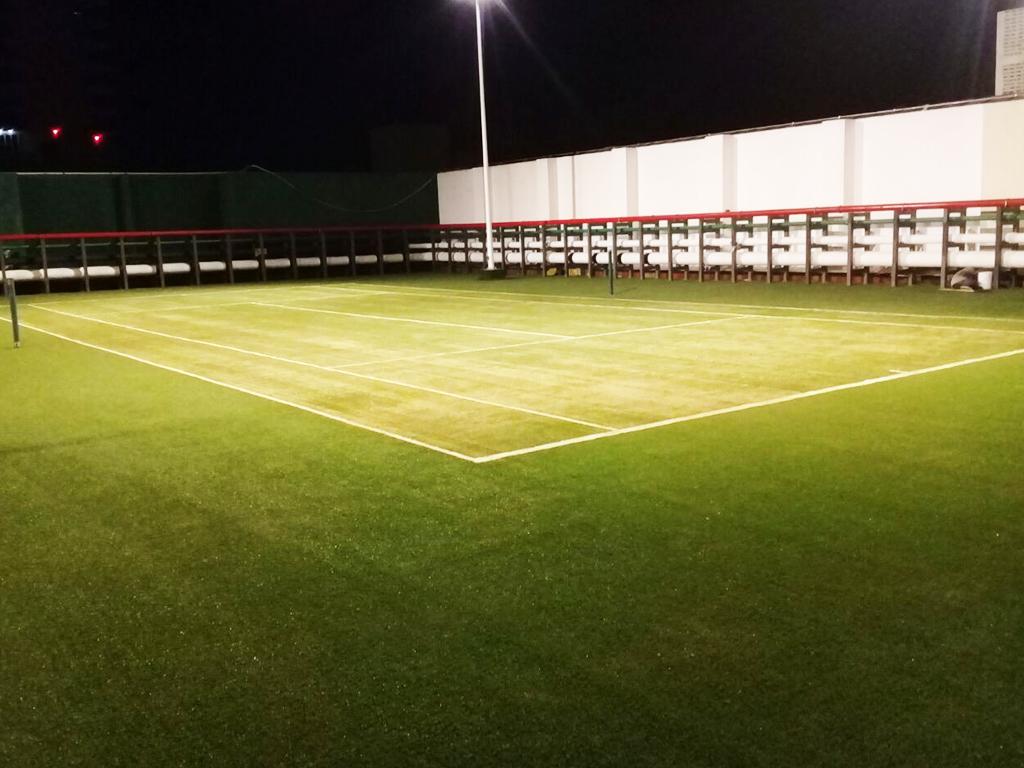 construccion de cancha de tenis pasto sintetico