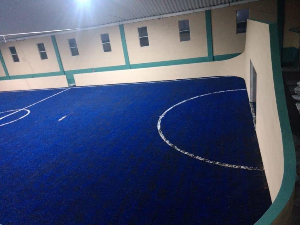 Cancha de futbol rapido con pasto sintetico