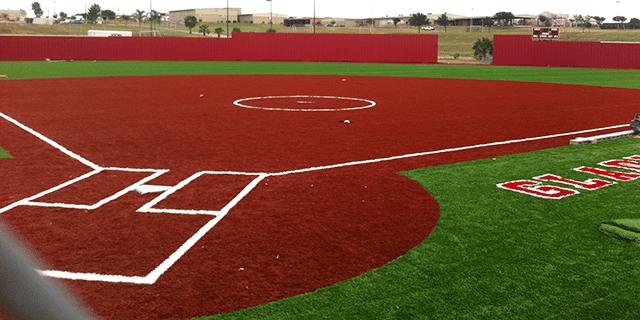 campo de softball con pasto sintetico